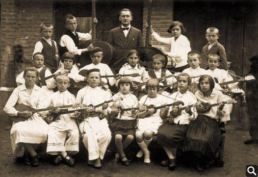 Begović s Tamburaškim orkestrom 1933. godine