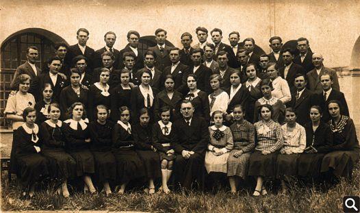 Crkveni zbor u samostanu 1936. godine, zborovođa D. Begović