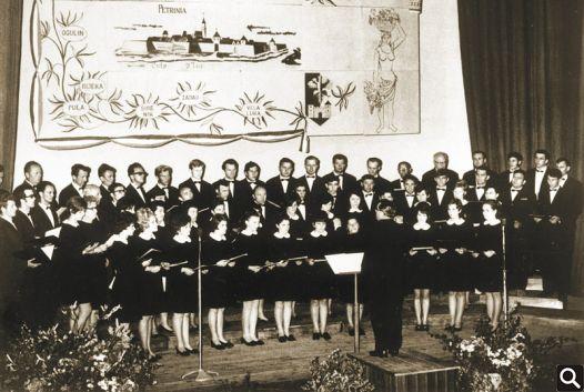 """HPD """"Tomislav"""" na Republičkom susretu pjevačkih društava u Petrinji 1970."""
