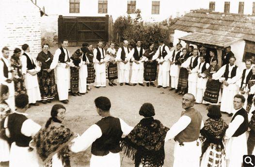 """""""Tomislav"""" pleše """"Cerničko kolo"""" 1923. godine"""